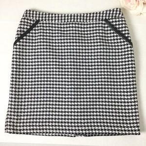 Black and white herringbone pencil skirt
